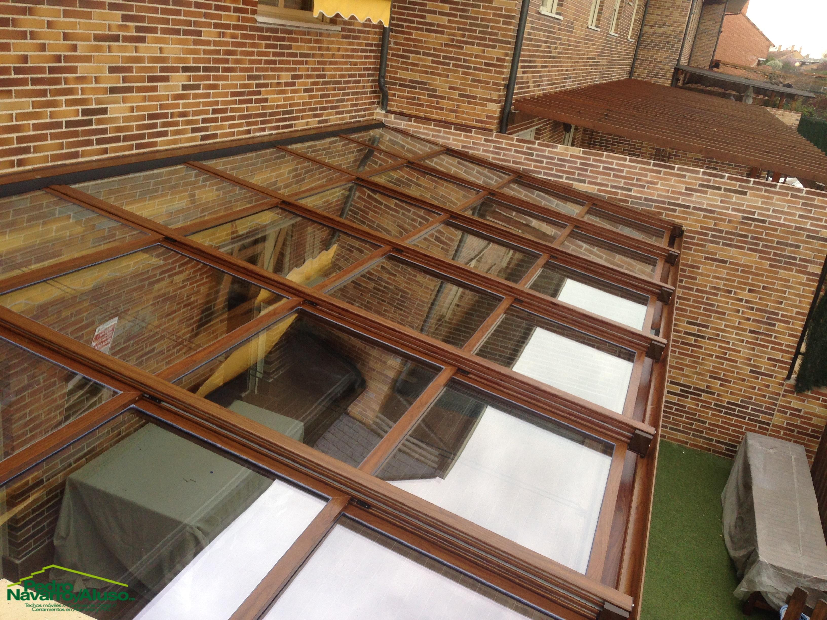 techo-movil-vidrio-control-solar-motorizado-imitacion-madera-8